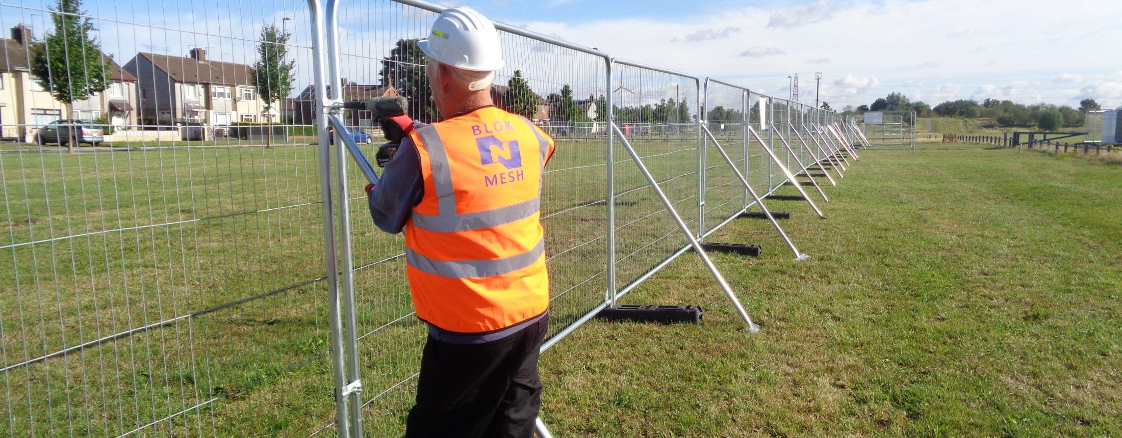 Fencing Hoarding Barriers For Fencing Contractors Blok N Mesh